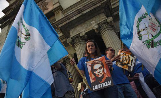 Protesto na Cidade da Guatemala para pedir a renúncia do presidente Otto Pérez.