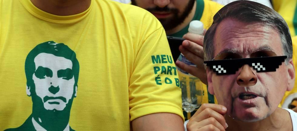 Manifestantes pró-Bolsonaro em ato em São Paulo.