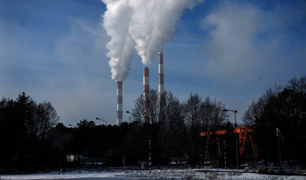 Central termoelétrica a carvão de Dolna Odra, na Polônia.