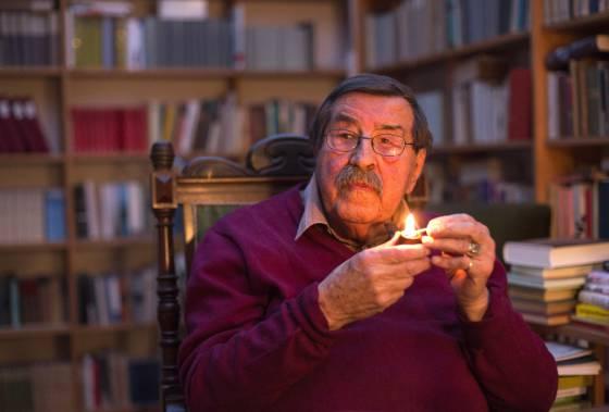 O escritor Günter Grass, em 21 de março, em sua casa de Lübeck.
