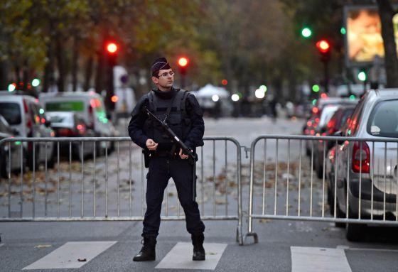 Autoridades mantém buscas por pistas na França e na Bélgica.