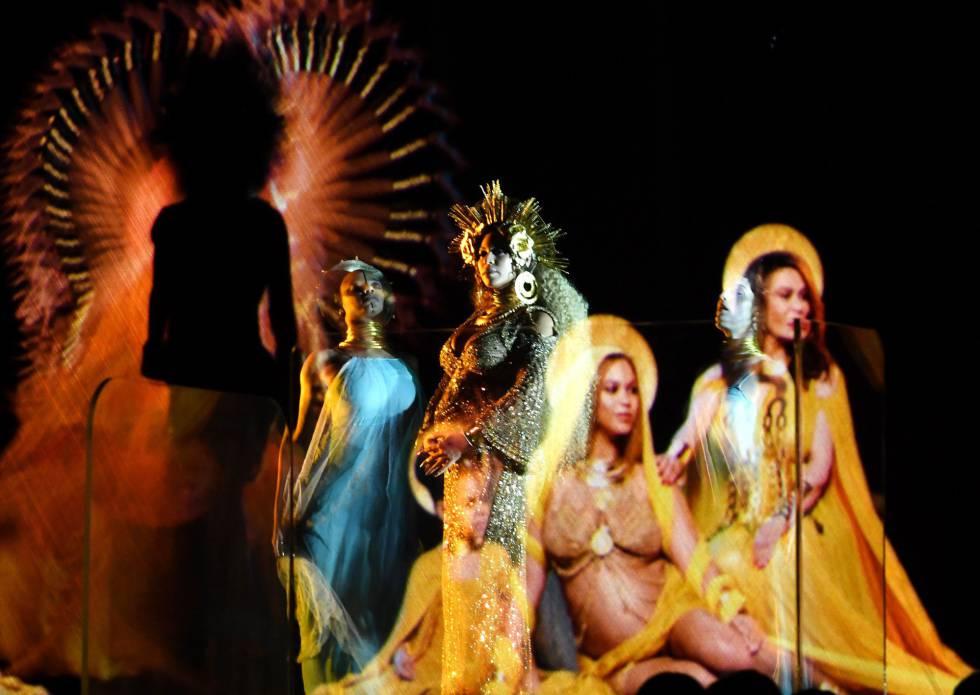 Um momento da apresentação de Beyoncé.