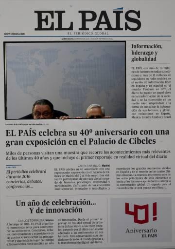 Exposição de aniversário do jornal.