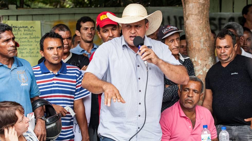 """Dirceu Biancardi (PSDB), prefeito de Senador José Porfírio, afirma aos povos indígenas, na audiência pública para debater Belo Sun: """"Eu considero vocês seres humanos igual eu""""."""