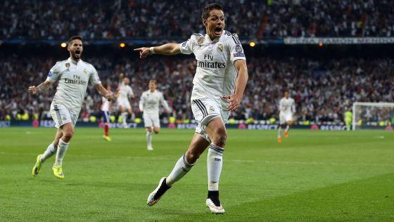 Chicharito celebra o gol da classificação.