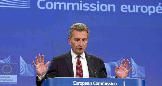 O comissário europeu de energia, Günther Oettinger, em Bruxelas.