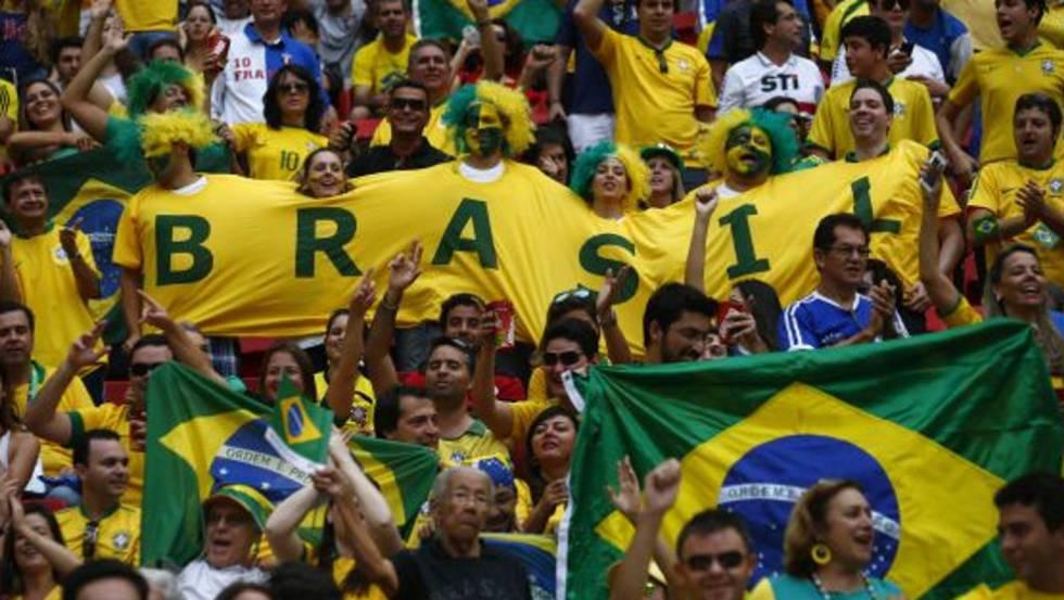 Torcedores brasileiros na Copa das Confederações, em 2013