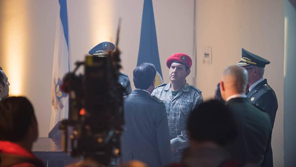 Andrés Videira, como Chávez, durante a filmagem de 'El Comandante'.