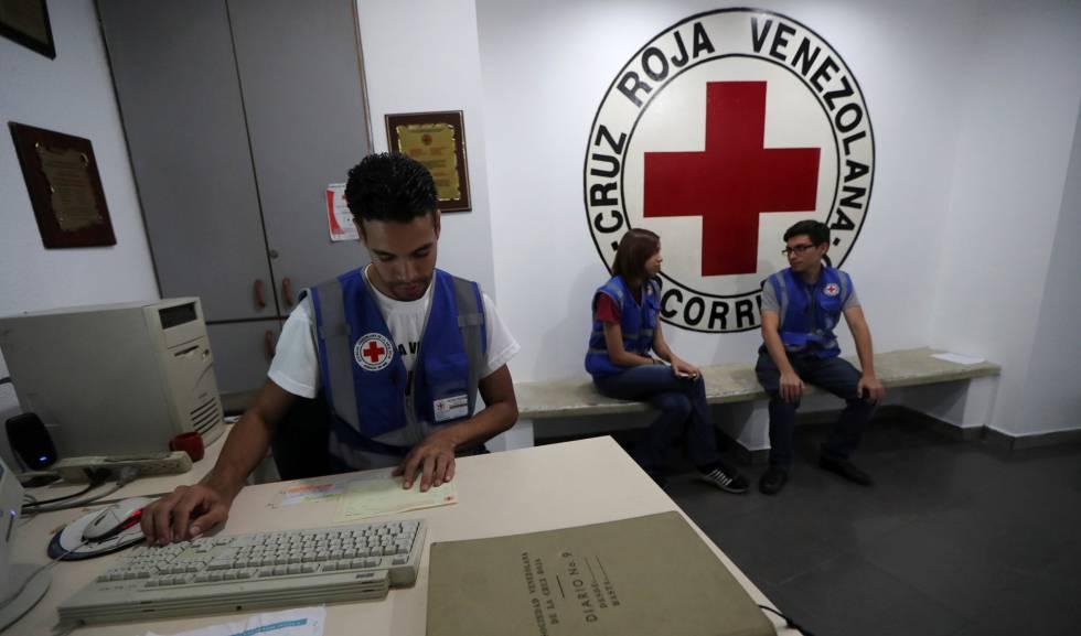 Funcionários da Cruz Vermelha da Venezuela.