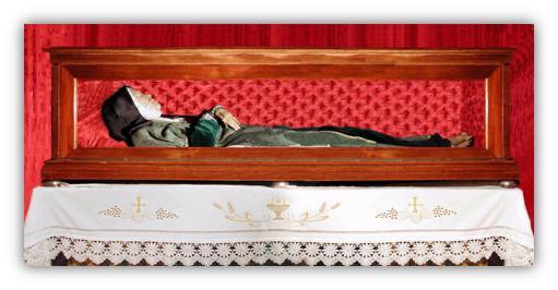 Cuerpo de Teresa Enríquez, conservado en el monasterio de las Monjas Concepcionistas de Torrijos (Toledo).
