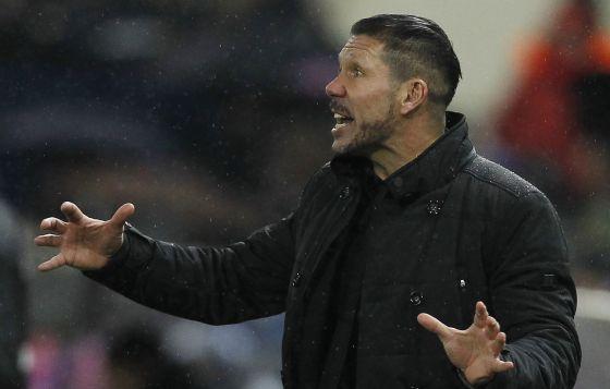 Simeone no jogo contra o Villarreal.