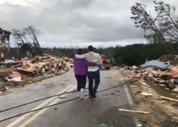 Fenômeno atmosférico causou danos  catastróficos  no condado de Lee, no Alabama, sul do país, segundo confirmaram as autoridades