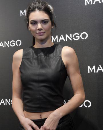 Kendall Jenner posa para a divulgação da festa 'Tribal Spirit' da Mango, em Barcelona.