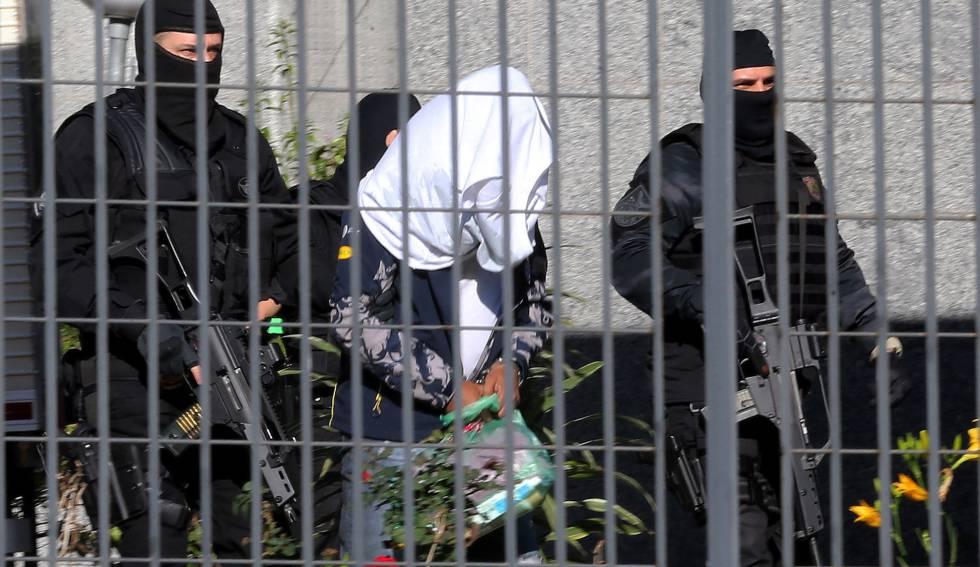 Polícia detém pessoa ligada ao tráfico internacional de drogas, nesta segunda-feira.