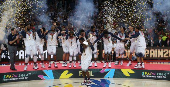 Os jogadores dos Estados Unidos, celebrando sua Copa do Mundo em Madri.