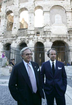 Os magnatas Diego e Andrea Della Valle, donos da Tod's, diante do Coliseu.