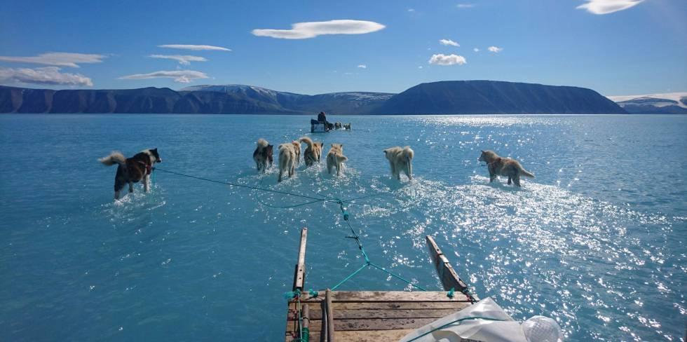 Fiorde de Inglefield Bredning, na Groenlândia.