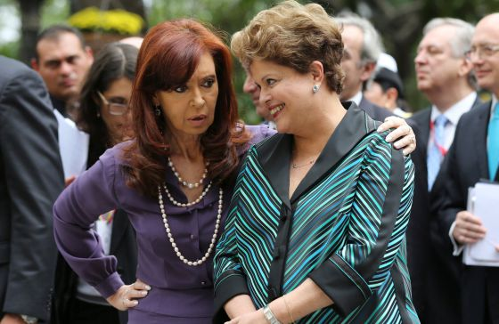 Cristina Kirchner e Dilma Rousseff em Caracas.
