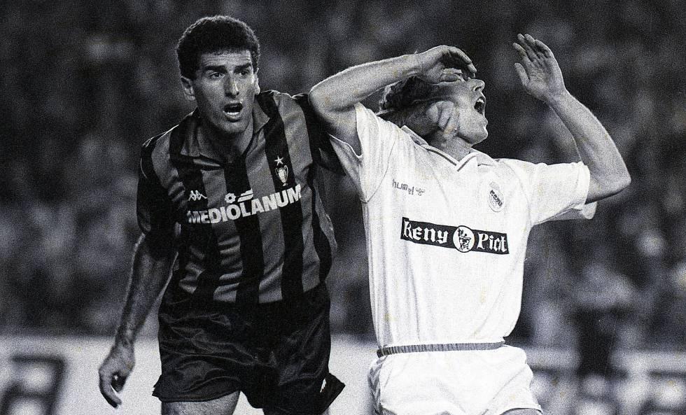 Tassoti, que recebeu cartão amarelo, atinge Butragueño pouco antes do gol num duelo Real x Milan de 1989.
