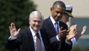 O ex-secretário de Defesa Robert Gates ao lado do presidente Obama, em junho de 2011.