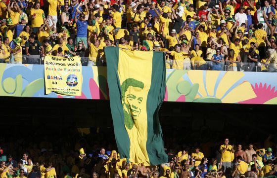 Os torcedores brasileiros recordam Pelé.