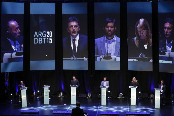 Os participantes no debate presidencial argentino.