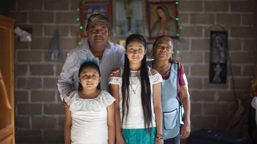 A família Ramírez reunida em Teopantlán, Puebla