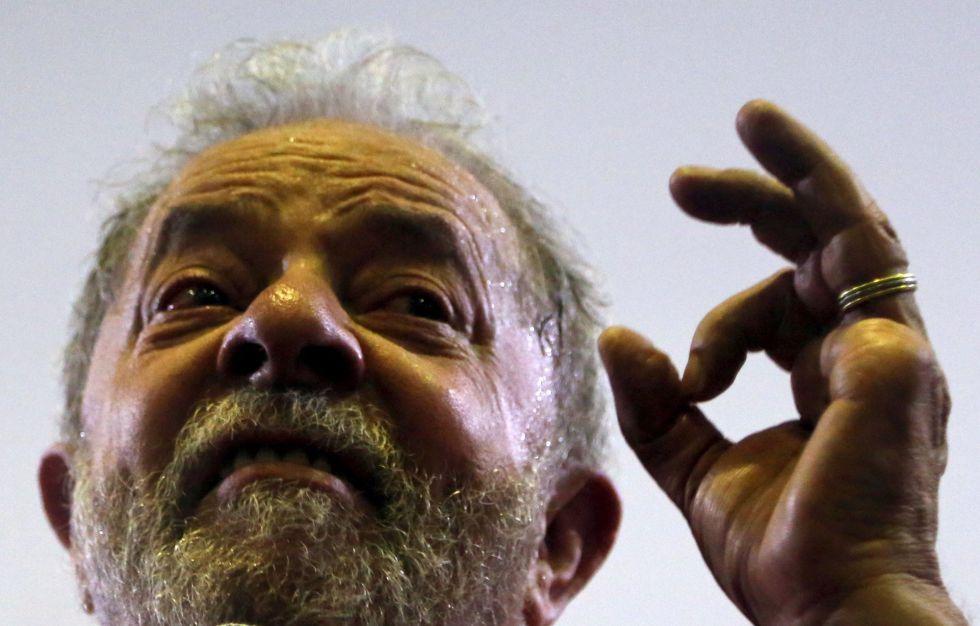 Lula fala a apoiadores no dia 4 de maio.