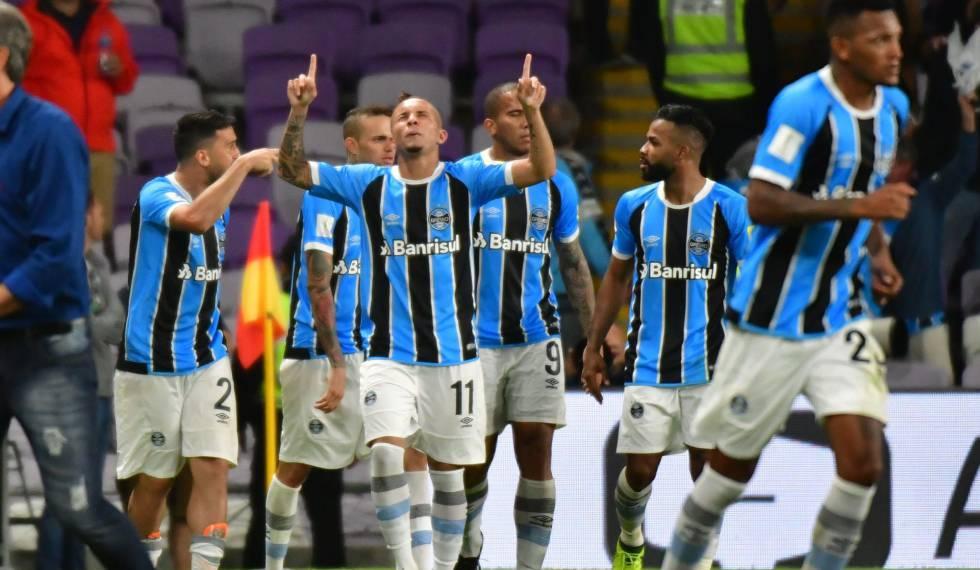 Everton comemora o gol decisivo da semifinal.