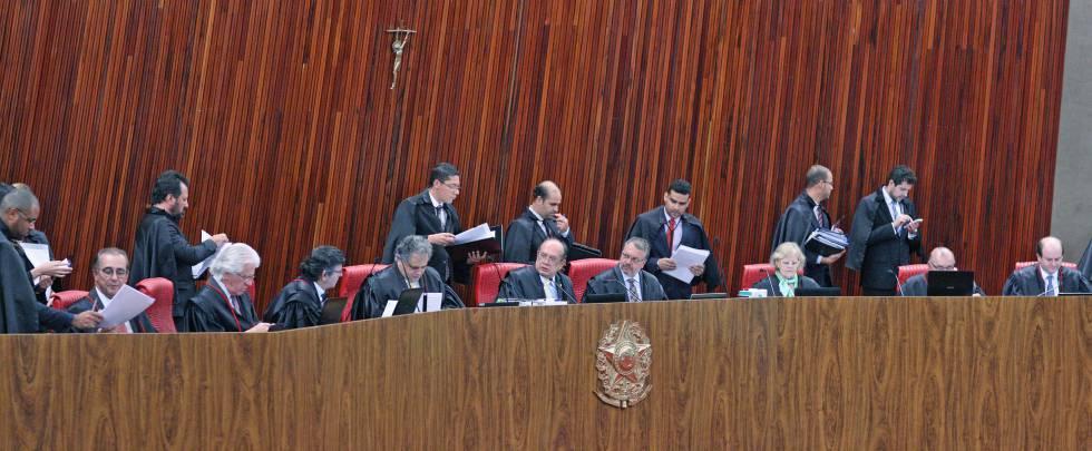 O plenário do Tribunal Superior Eleitoral.
