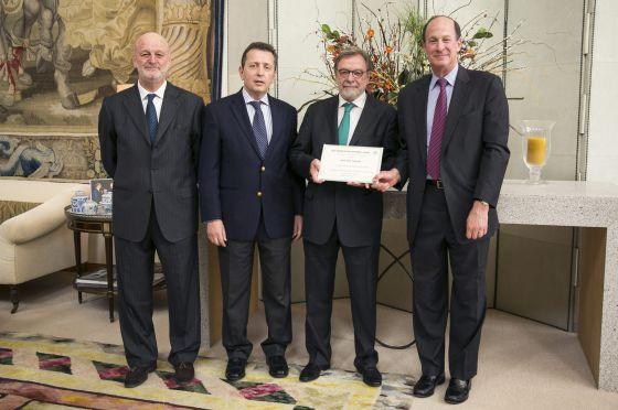 Ramón Gil Casares, Javier Cremades, Juan Luis Cebrián e John Wolf.