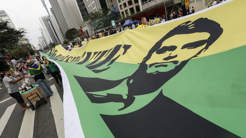 Manifestação de seguidores de Bolsonaro na Avenida Paulista, em São Paulo, no domingo 30 de setembro