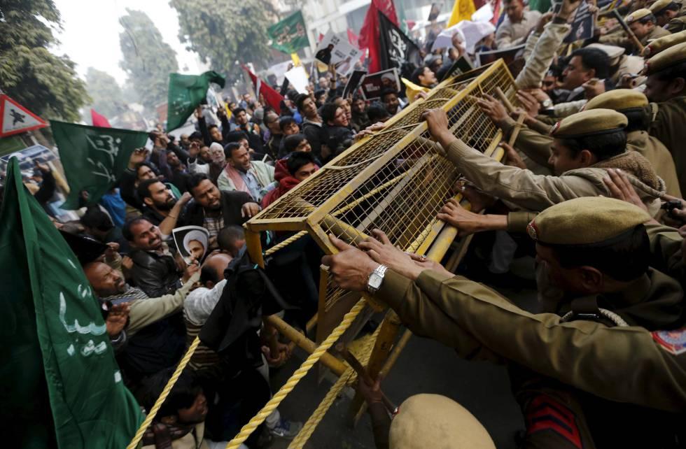 Morte do clérigo xiita Nimr al Nimr provocou protestos em Nova Déli, na Índia.