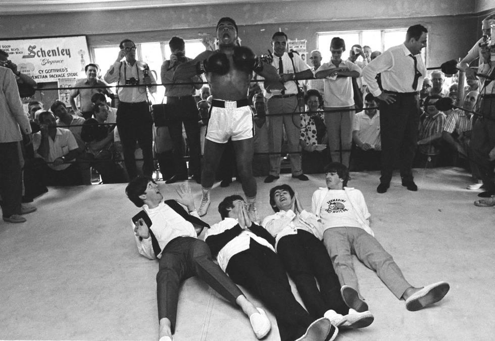 Muhammad Ali em 1964 com os Beatles, em Miami.