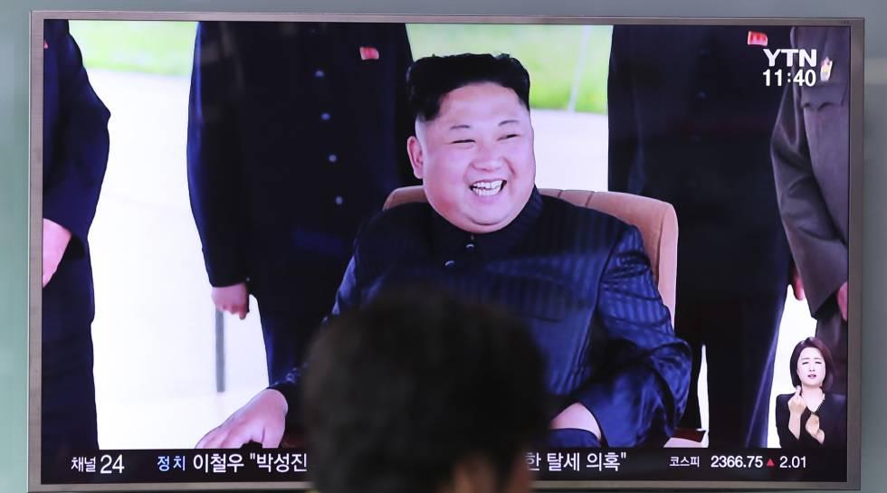 O líder norte-coreano em um programa de televisão.