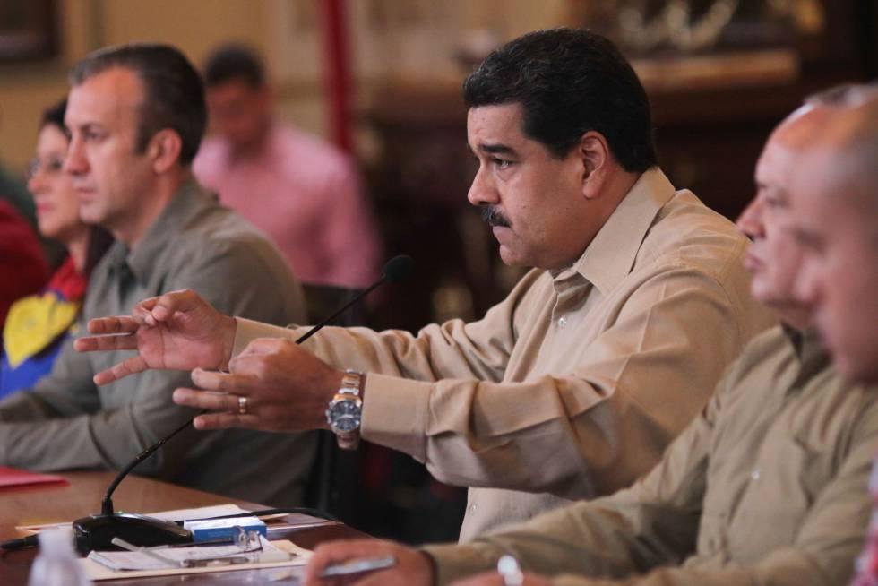 """O presidente da Venezuela anuncia na televisão a prisão de um dos """"cabeças""""."""