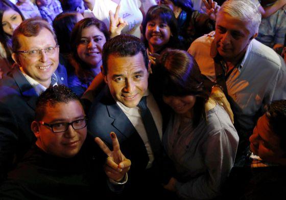 O candidato presidencial Jimmy Morales, em sua sede de campanha.