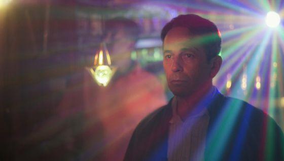 Alfredo Castro, chileno, protagoniza o filme venezuelano 'Desde allá'.