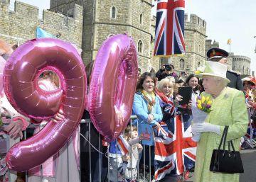 Elizabeth II torna-se a primeira rainha nonagenária da história do Reino Unido