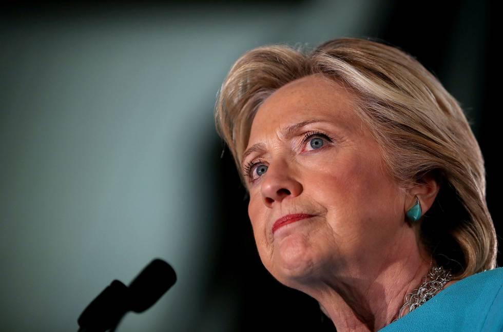 Hillary Clinton durante um comício em New Hampshire.