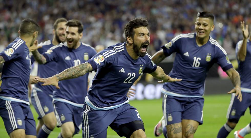 Lavezzi comemora gol contra os EUA na semifinal.