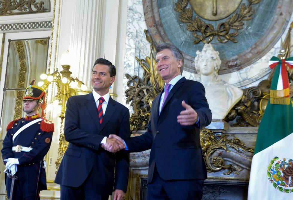 Mauricio Macri recebe a seu par mexicano, Enrique Peña Neto, em agosto passado.