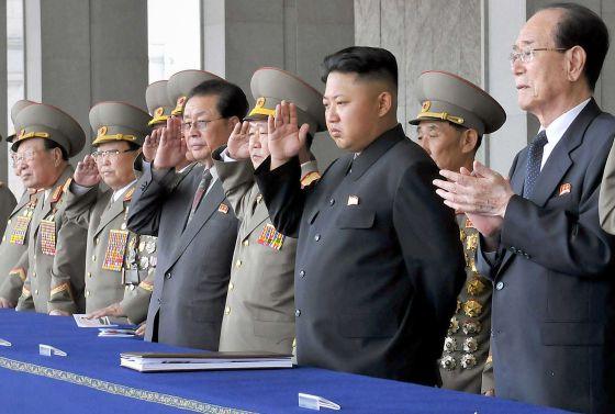 Jang (de terno) em evento público em Pyongyang.