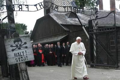 """Por qué, Señor, has tolerado esto?"""", se pregunta Benedicto XVI en ..."""