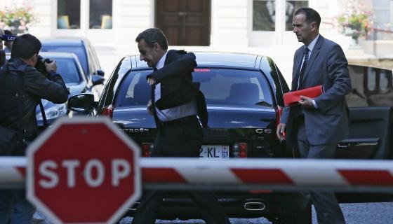 O ex-presidente Sarkozy chega à Assembleia Nacional em 25 de junho.