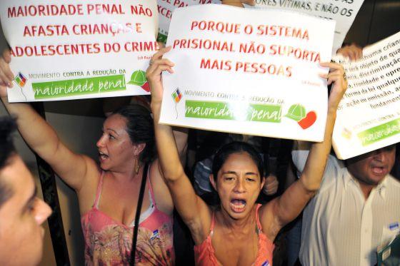 Protesto contra a PEC que reduz a maioridade penal em Brasília.