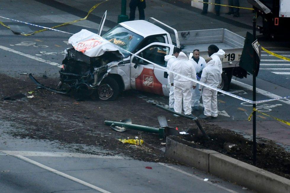 Investigadores analisam caminhonete usada em atentado que matou pessoas em ciclovia de Nova York