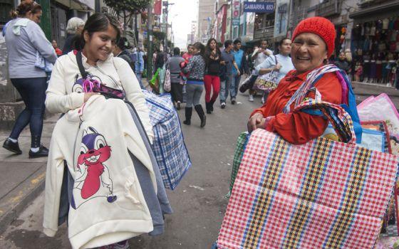 Trabalhadoras informais em Lima, Peru.
