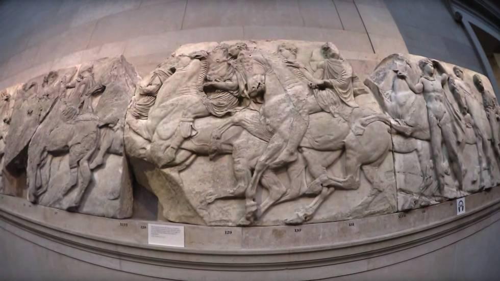Friso do Partenon de Atenas, no Museu Britânico de Londres.