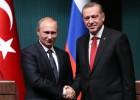 O governante russo acusa a Comissão Europeia de criar obstáculos ao projeto e oferece um traçado alternativo que passa pela Turquia